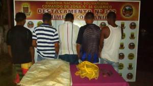 Arrestaron a cinco tras persecución
