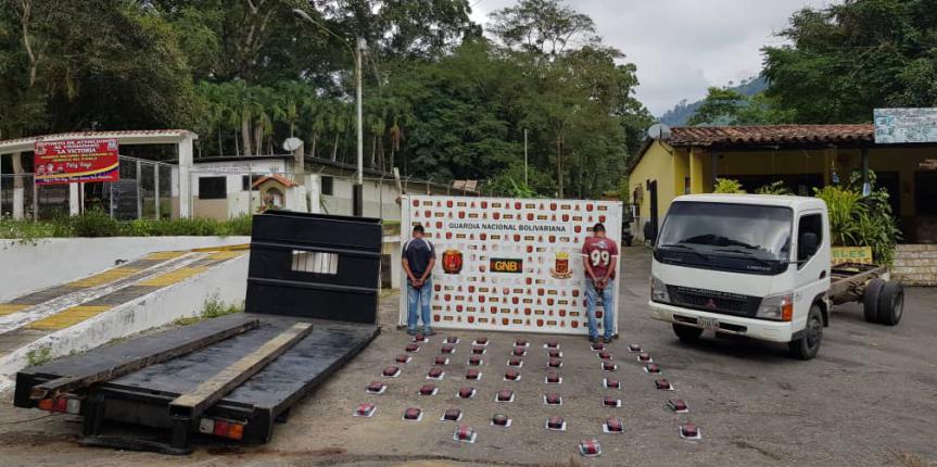 GNB Mérida capturó a dos ciudadanos con 47 kilos de marihuana