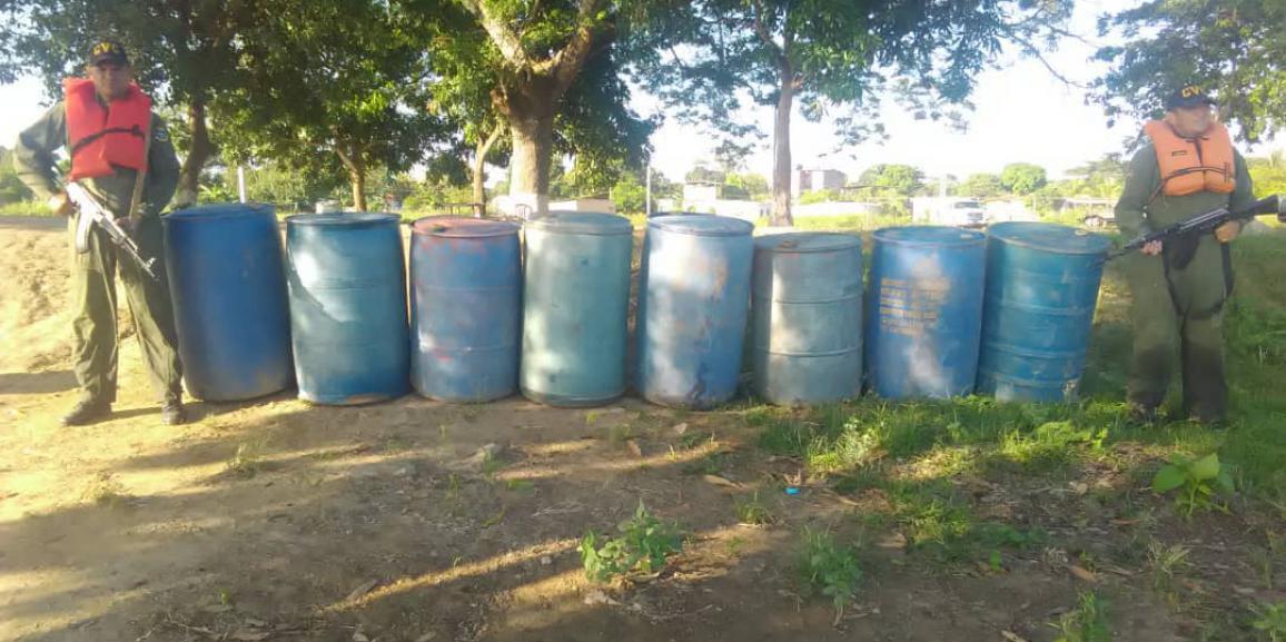 Comando de Vigilancia Costera incauta 1.760 litros de combustible  en el estado Apure