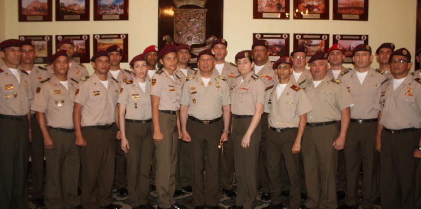 GNB entrega reconocimientos al personal militar que ocupó el primer lugar en el orden de mérito al Grado Superior Inmediato