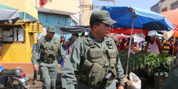 GNB desplegó operativo de seguridad en mercado municipal de Puerto La Cruz