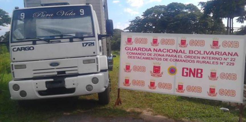 GNB retuvo camión con serial de carrocería deteriorada