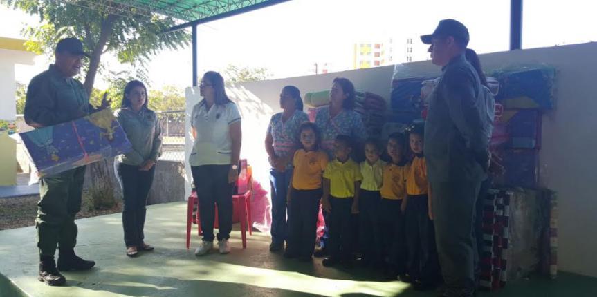 Comité de Damas de la Zona 11 Zulia abasteció con nuevos utensilios  a los niños del prescolar de la Gran Unidad