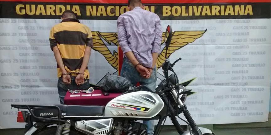 GAES Trujillo detuvo a dos ciudadanos por el delito de extorsión