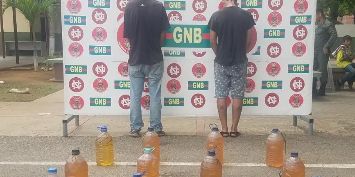 3 ciudadanos detenidos por el Desur Zulia de la GNB tras vender gasolina en pimpinas