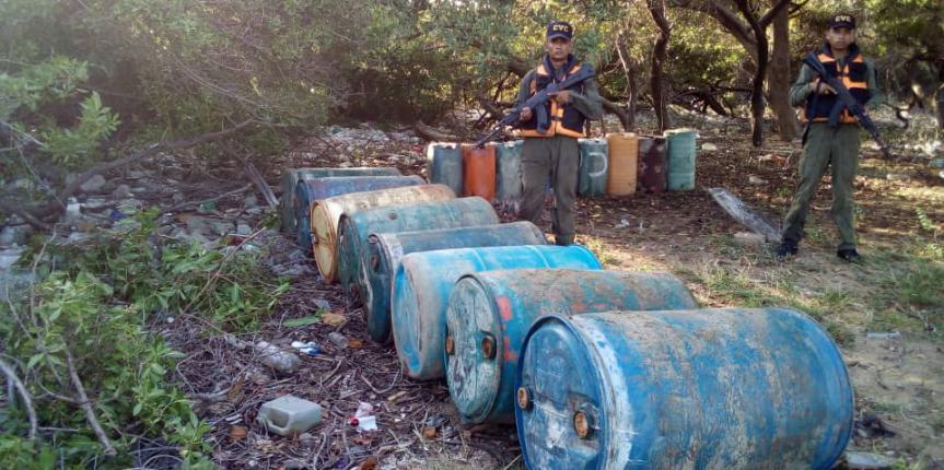 Comando de  Vigilancia Costera GNB continúa la lucha contra el contrabando de combustible e incauta 2 mil 520 litros de combustible en el estado Zulia