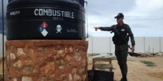 Comando de vigilancia costera efectuó la retención de 5.900 litros de combustible en el sector Santa Rita del estado falcón