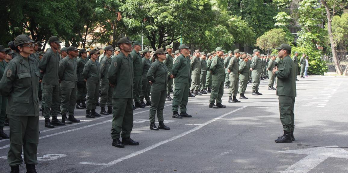 M/G Fabio Zavarse Pabón realiza formación militar con el personal de la Cogeguarnac