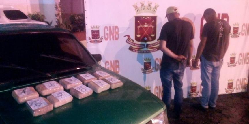"""GNB Mérida incautó 10 panelas de Marihuana en el Punto de Control """"Las González"""""""