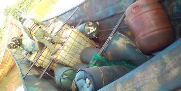 Comando de Vigilancia Costera incautó tambores de plástico y tanques contentivos de presunto combustible tipo gasoil en estado de abandono