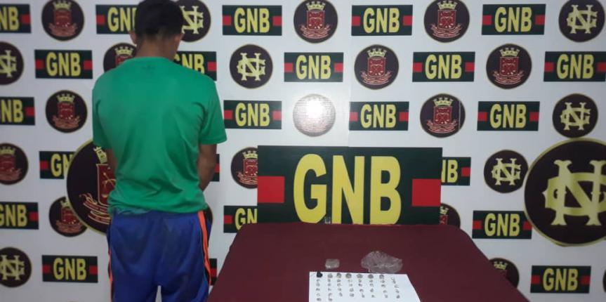 GNB capturó a ciudadano con 42 mini envoltorios de presunta marihuana en el estado Bolívar