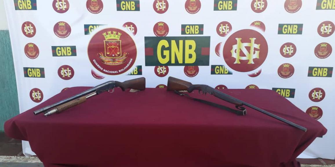 Comando de vigilancia costera recupera dos armas de fuego en la población de barranquitas estado Zulia