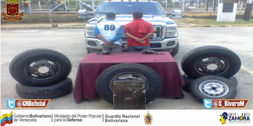 GNB detuvo a dos ciudadanos por robar neumáticos en El Vigía