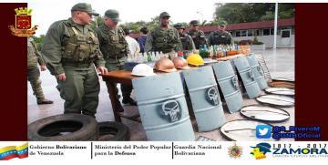 """GNB Monagas captura a dos """"Guarimberos"""" con 10 bombas molotov y escudos artesanales"""