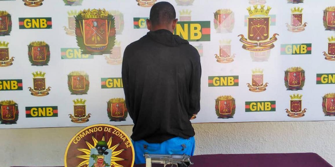 GNB Anzoátegui captura a dos ciudadanos armados y presunto microtraficante