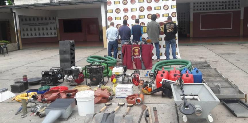 GNB retuvo herramientas para ejercer minería ilegal, armas de fuego y casi mil municiones en el estado Bolívar