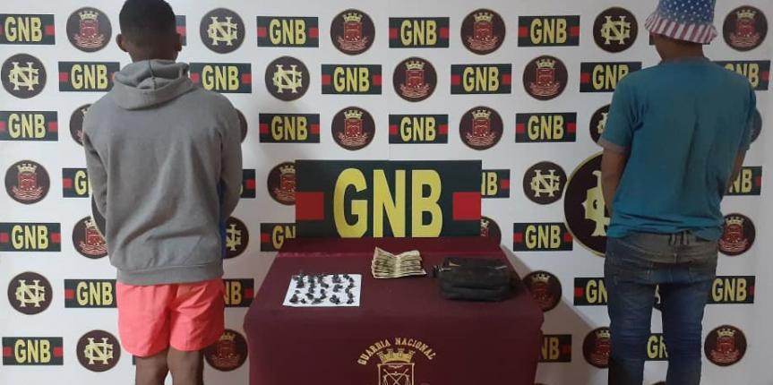 GNB Bolívar aprehendió a dos ciudadanos con droga en la población de El Callao