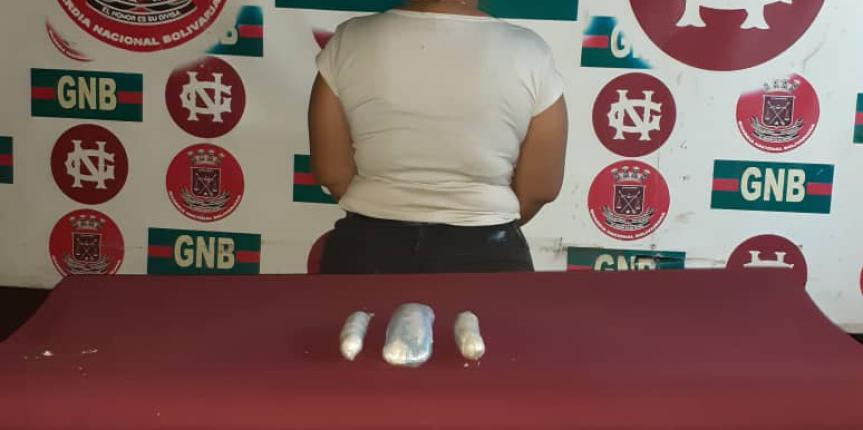 En el Puente Rafael Urdaneta fue detenida por la GNB una mujer con droga que iba de Maracaibo a Caracas