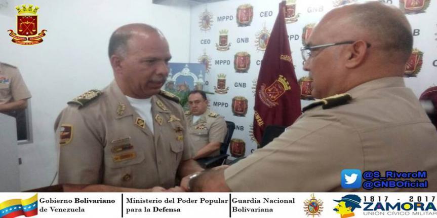 Entrega de bastones de mando a los Mayores Generales, Generales de División y Brigada ascendidos  de la GNB