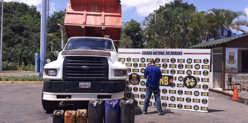 GNB retuvo 1.905 litros de combustible ilegal durante varios procedimientos en el estado Bolívar