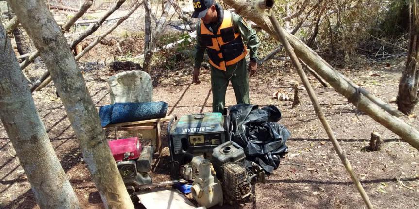 Comando de Vigilancia Costera de la GNB realizó desmantelamiento de un campamento de minería ilegal a cielo abierto