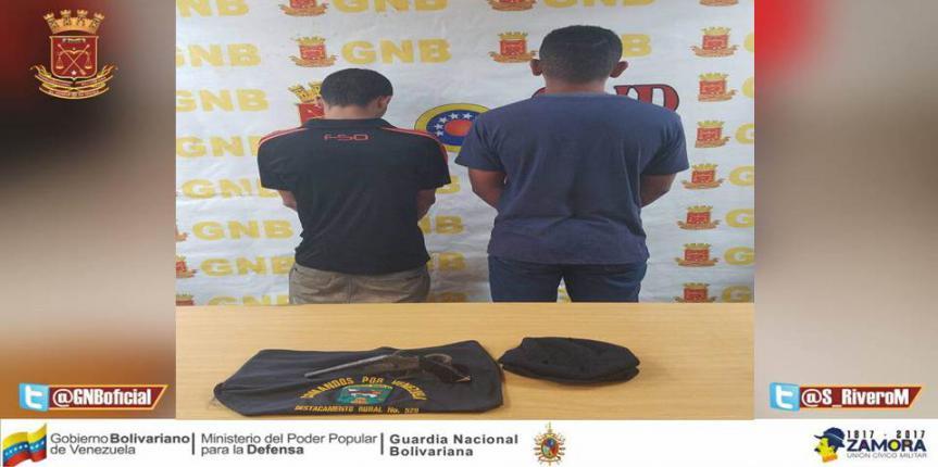 Capturados dos ciudadanos armados tras robo de vehículo en Anzoátegui