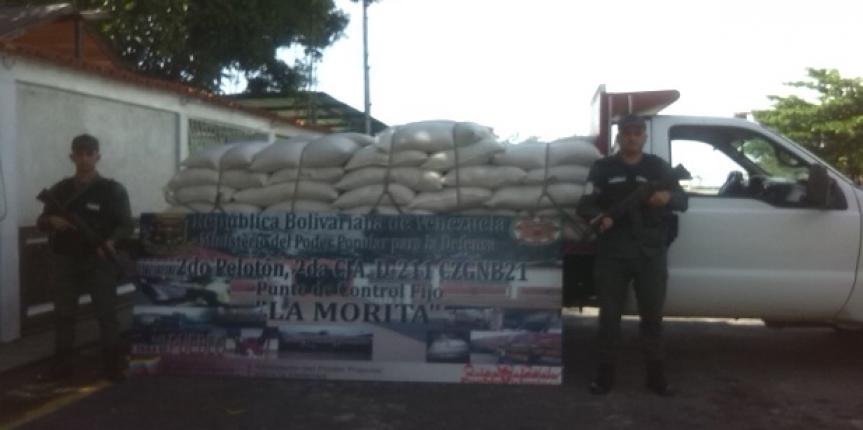 GNB retuvo 100 sacos de alimento para aves en el estado Táchira
