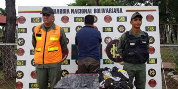 GNB Bolívar en conjunto con Antidrogas incautaron un envoltorio con más de tres kilos de Cocaína