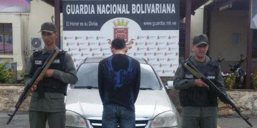GNB Falcón recupera vehículo y captura a hombre en flagrancia