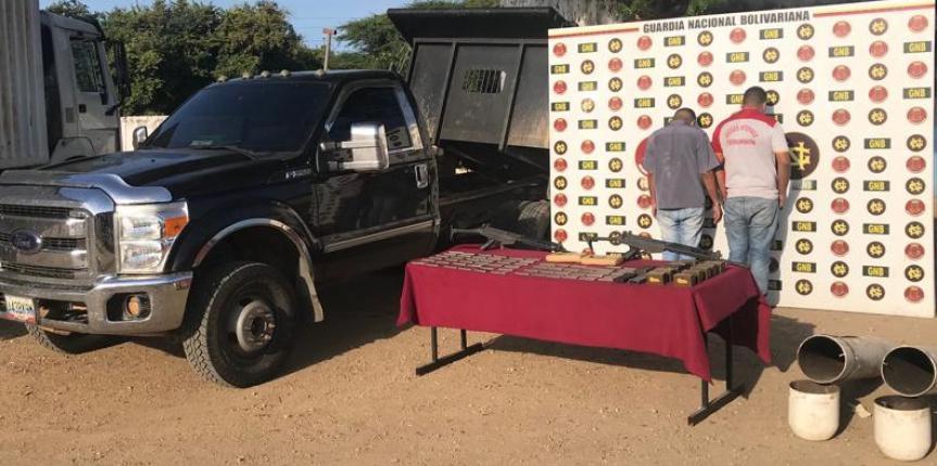 GNB Anzoátegui captura a dos ciudadanos con 1.300 municiones, armas y droga