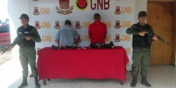 GNB detuvo a dos ciudadanos e incauta 3,525 kg de presunta droga en el estado Táchira