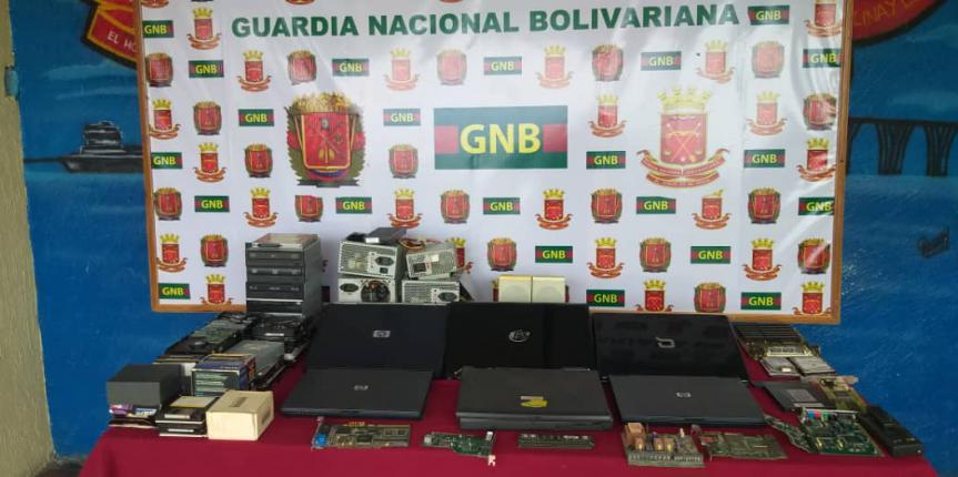 Comando de Vigilancia Costera incautó material y equipos informáticos pertenecientes a la empresa PDVSA en el estado Zulia