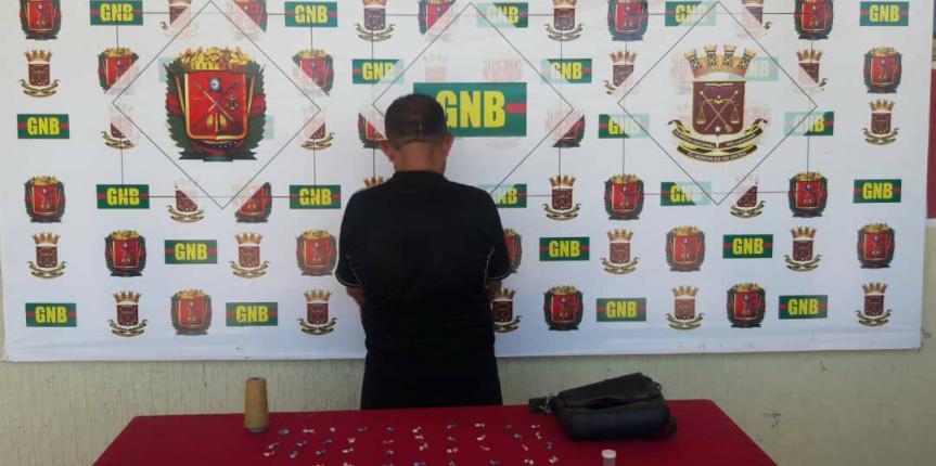 Desur Falcón detuvo ciudadano por micro tráfico de droga en Villa Marina