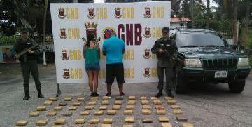 GNB detiene a dos ciudadanos por transportar 66 panelas de marihuana en el estado Mérida