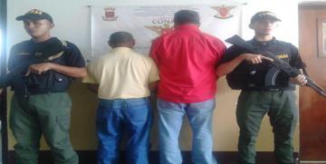 GAES Amazonas  captura a dos  ciudadanos por estar incursos en el delito de contrabando