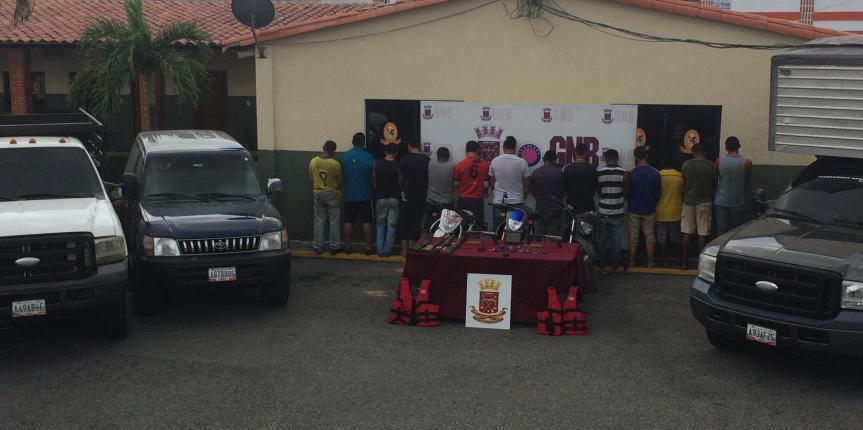 GNB Zulia halló narco avioneta detuvo a 14 ciudadanos y retuvo gran cantidad de armas de fuego