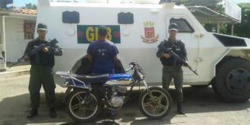 GNB detiene a ciudadano por solicitud de una moto en el Sombrero