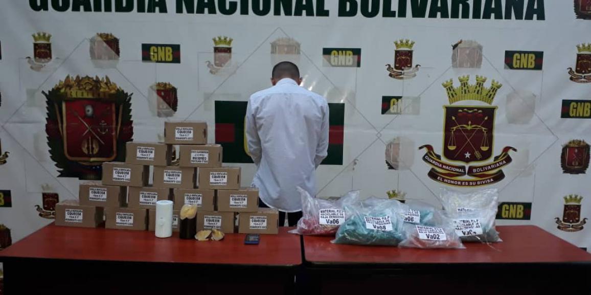 Detenido por la GNB ciudadano con más de 20 kilos de cocaína impregnada en plástico