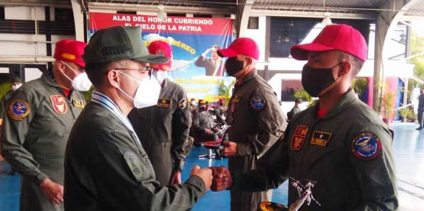 Graduados más de 30 Pilotos Aviadores y Técnicos en Mantenimiento de Aeronaves de la GNB