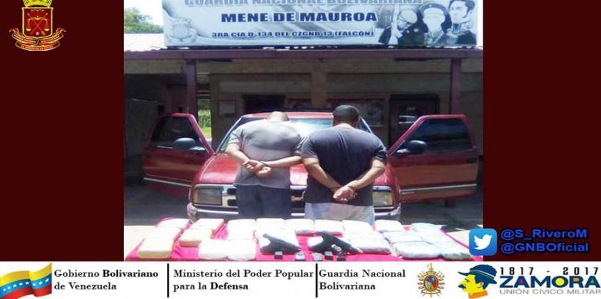 GNB incautó en la carretera Falcón-Zulia 24 panelas de Drogas y dos armas de fuego