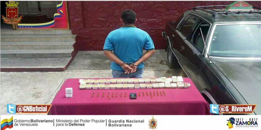 GNB Táchira capturó a ciudadano con municiones ocultas en un vehículo
