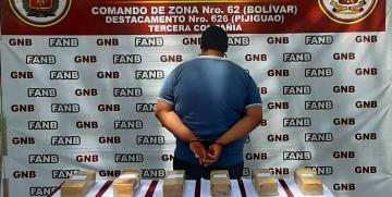 GNB Bolívar detuvo a un ciudadano con más de 8 kilos de droga