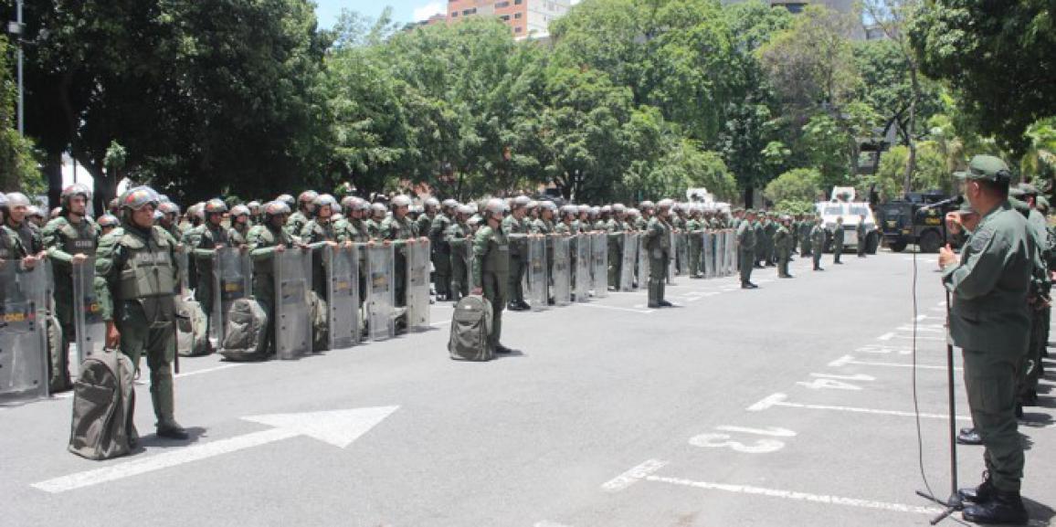 Efectivos de la Guardia Nacional Bolivariana reciben adiestramiento de orden público