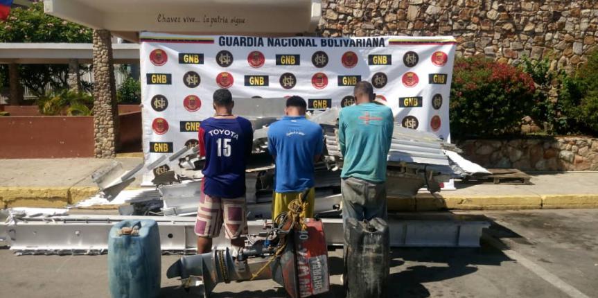 Comando de Vigilancia Costera detuvo a cuatro ciudadanos mientras desvalijaban una embarcación propiedad de Conferry en el estado Sucre