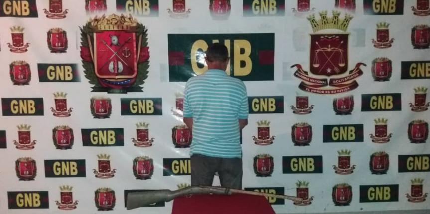 Comando de Vigilancia Costera detuvo a ciudadano por porte ilícito de arma de fuego en el estado Sucre