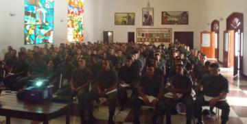 Cega Capital y Vargas dictan charla a los alumnos de la Escuela de Formación de Guardias Nacionales Cnel. (F) Martin Bastidas Torres