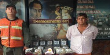 GNB aprehende  a un  ciudadano e incauta 25 envoltorios de presunta cocaína en el estado Carabobo