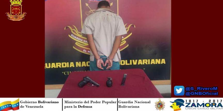 Capturado ciudadano portando un arma de fuego y una granada fragmentaria