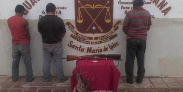 GNB Guárico captura a tres ciudadanos armados y con venado descuartizado