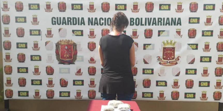 GNB Zulia capturó a ciudadana con droga en sus senos y partes íntimas